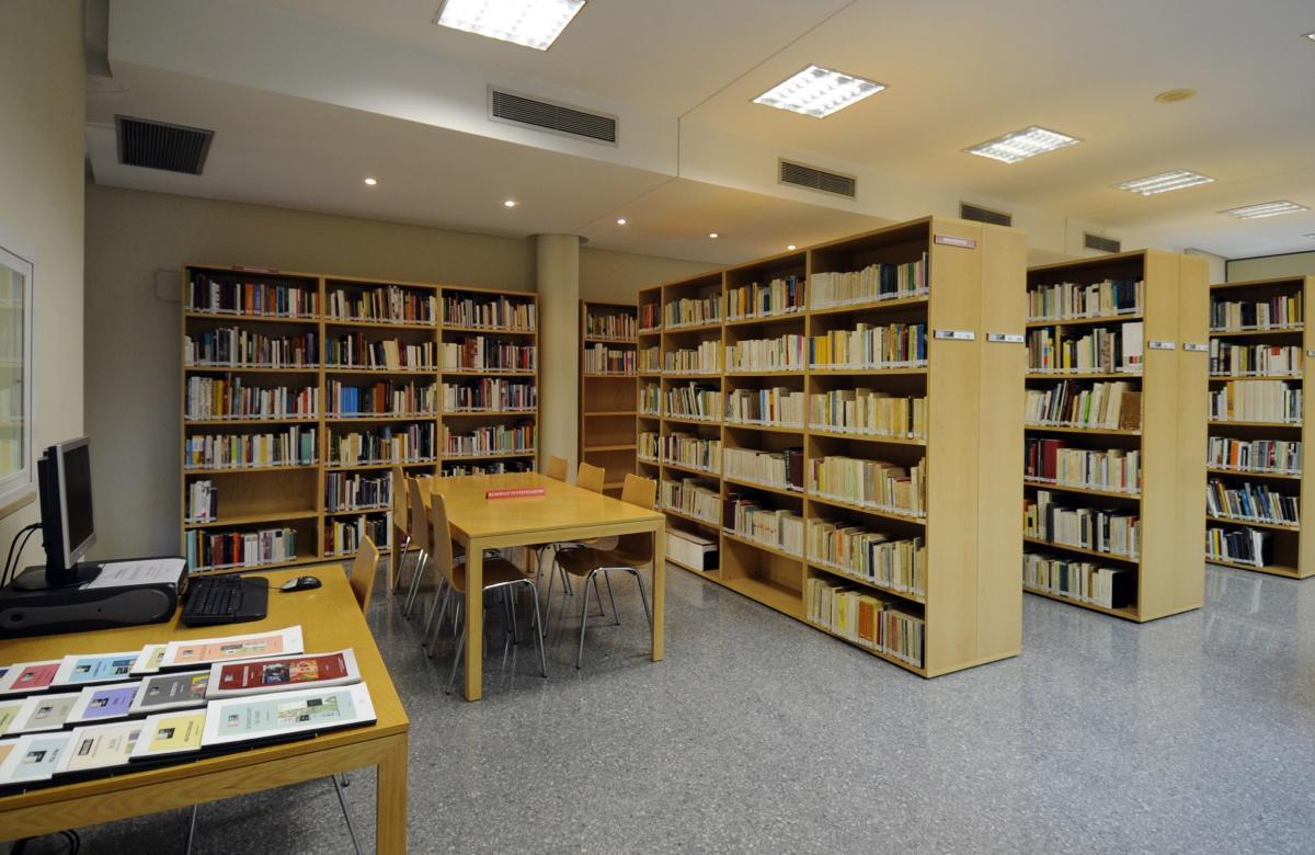 Sala de lectura de la Biblioteca del Museu Valencià d'Etnologia